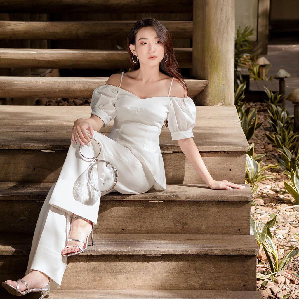 box-visual_model_hoang-yen_white